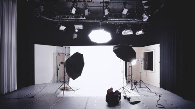 スタジオの照明